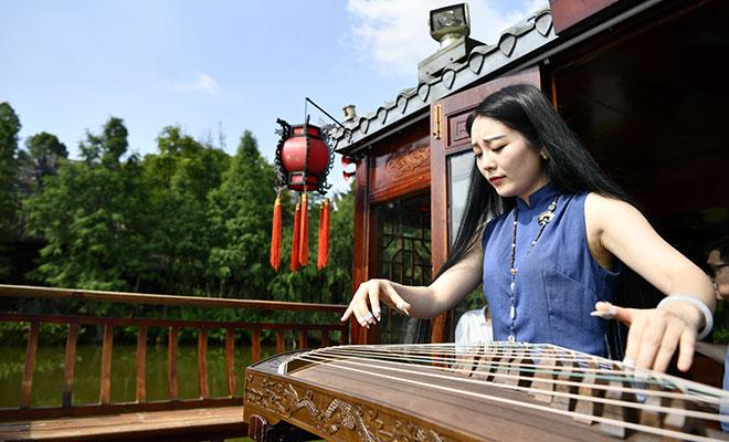 重庆璧山:小城湿地公园风景美如画