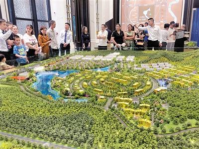 """坚持""""房住不炒""""定位 重庆房地产市场延续平稳展态势"""