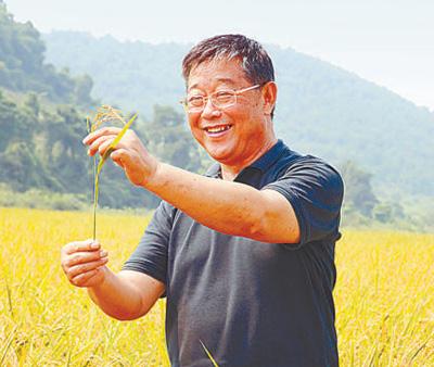 赵亚夫: 做给农民看 带着农民干